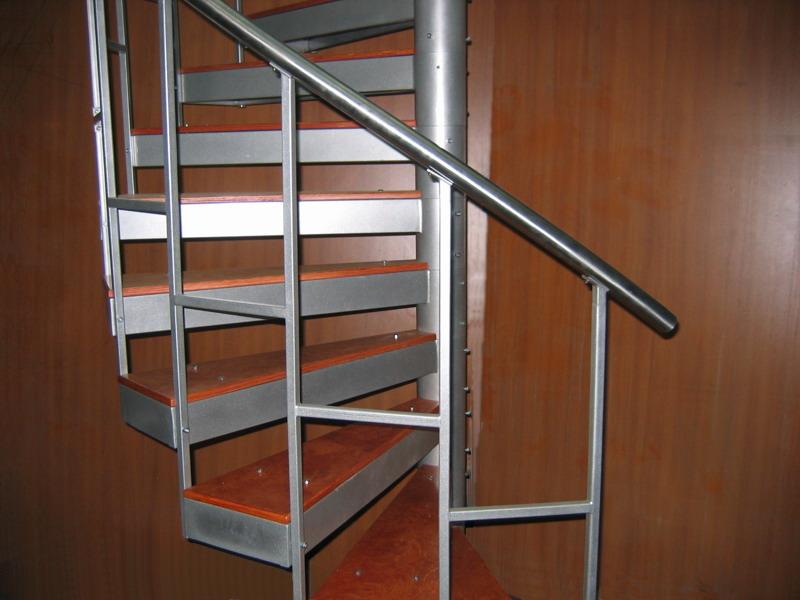 Как самому сделать винтовую лестницу